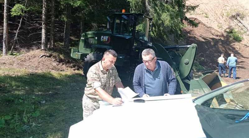 Vojska Crne Gore i Opština Pljevlja nastavljaju izvođenje radova na seoskoj infrastrukturi